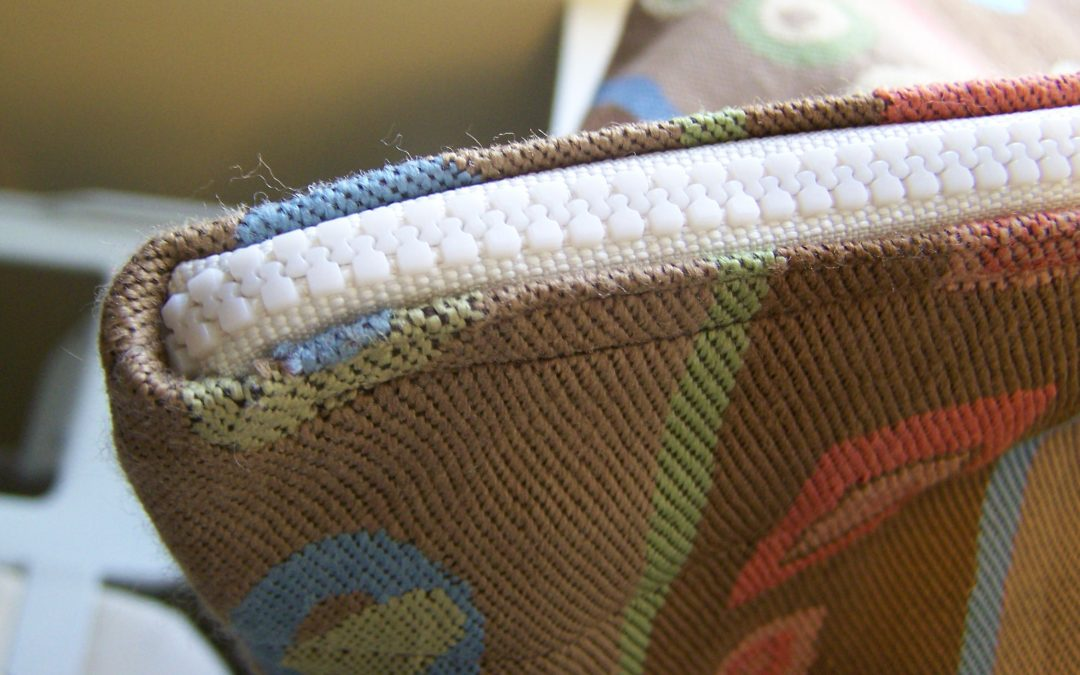 How to Add a Zipper to a Finished Tote Bag
