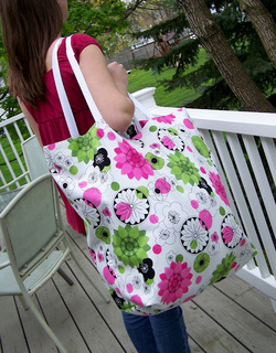Oversized Beach Tote in Urban Green and a Tutorial