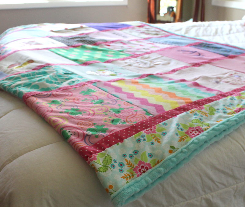 Baby Clothes Memory Quilt Blanket – Gift for a Wife
